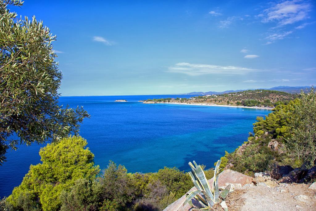 Blick von der Steilküste zum Strand